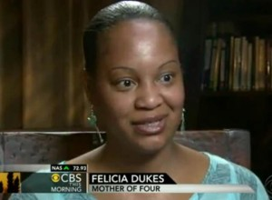 felicia dukes 300x220 Hero Lawyer Gives His House to a Homeless Family for a Year